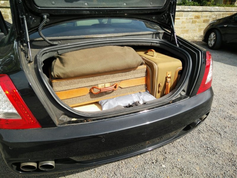 luggage in boot 2.jpg